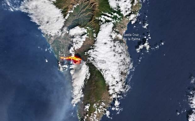 Поток лавы из вулкана на испанском острове Ла-Пальма сравнили с цунами