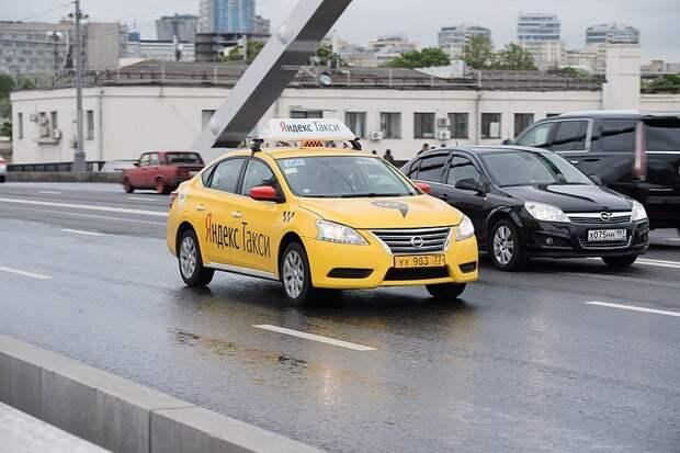 «Единая Россия» добивается льготных тарифов для поездок медиков в такси