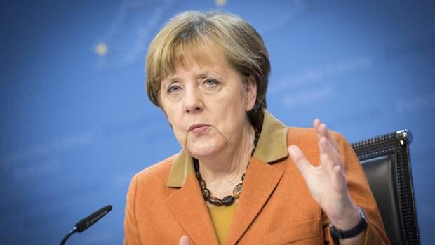 Меркель выразила соболезнования семьям погибших в Казани