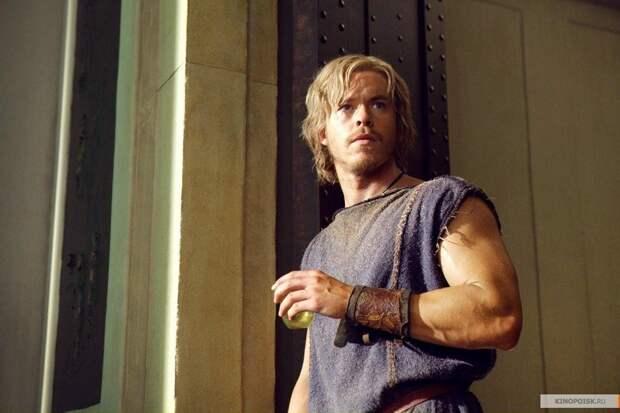 Молодой Юлий Цезарь. Кадр из сериала «Спартак».