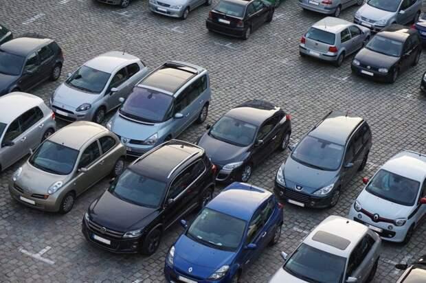 В 4-м Вятском появились дополнительные парковочные места