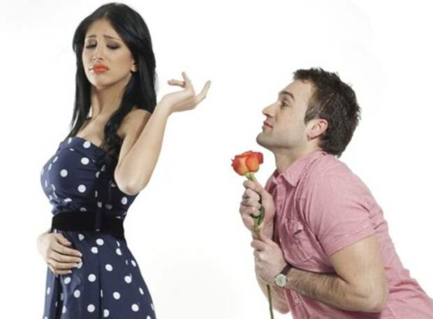 девушка отказывается от розы
