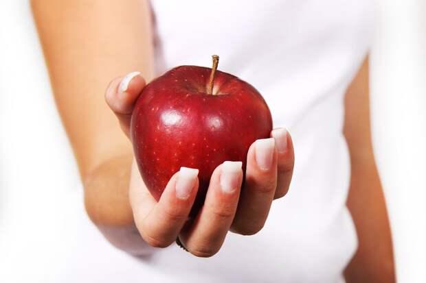 Одно яблоко в день спасает от пяти видов рака