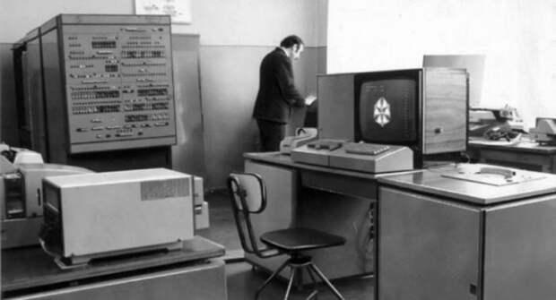 Суд над хакером.   Фото: Техносфера Россия.