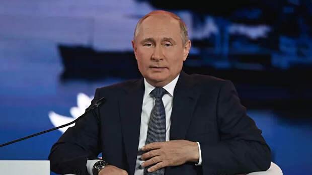 Лаврова и Шойгу жалко отпускать в Госдуму, заявил Путин