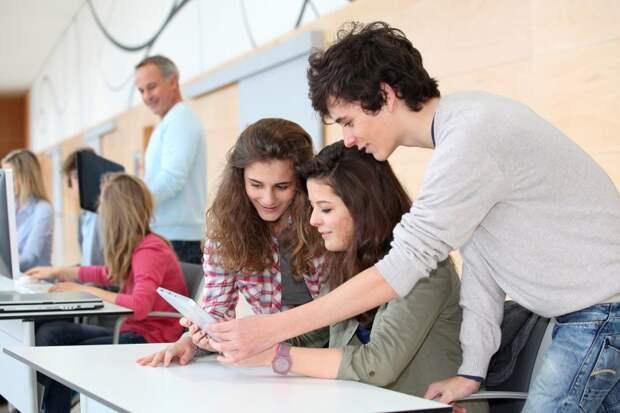 студенты. Фото: открытый источник