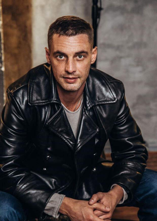 Антон Батырев и Любовь Аксёнова возглавили список самых популярных актёров года