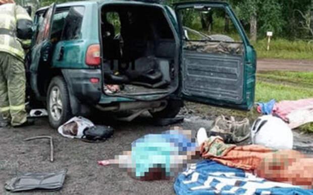 Заснувший водитель врезался в каток
