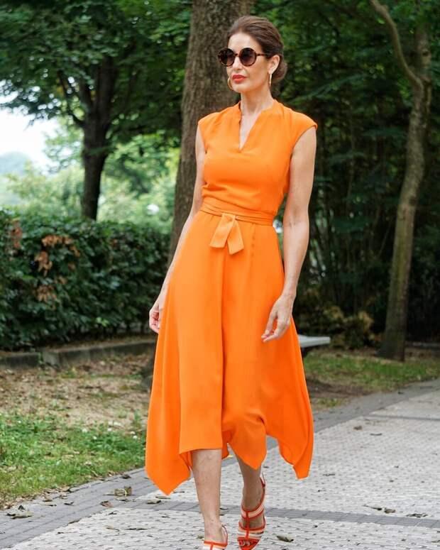 Обзор платьев на лето для женщин за 50+: какие цвета омолодят, а какие фасоны скроют недостатки