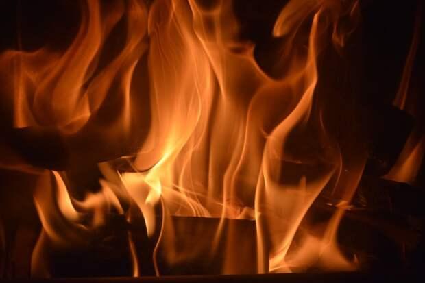 На Шарикоподшипниковской сгорел склад