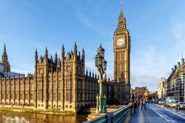 Британский пенни - залог точности самых известных часов. /Фото: pinterest.de