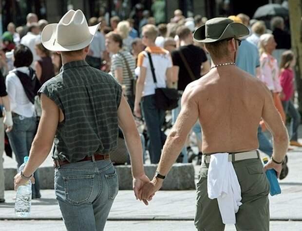Председатель «Союза женщин России» назвала геев больными людьми