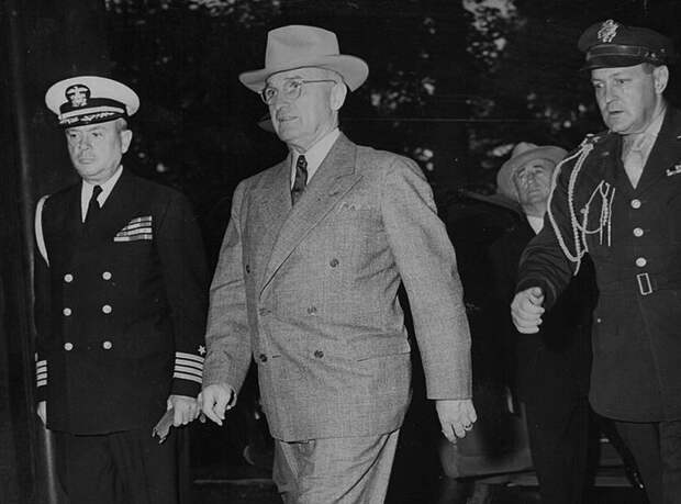 На Потсдамскую конференцию прибывает президент США Гарри Трумэн