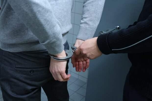 Житель попал под уголовную статью за кражу лампочек на Ферганском