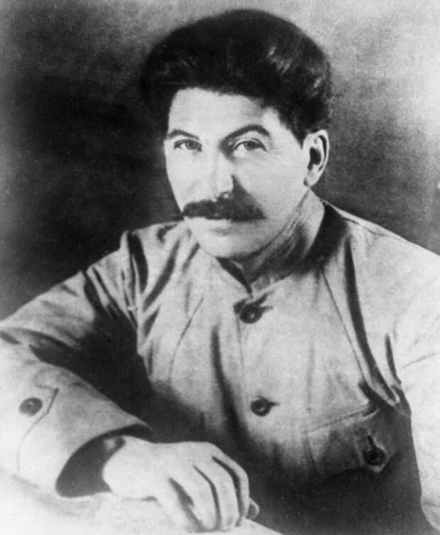 Был ли Сталин «никем» до революции 1917 года?