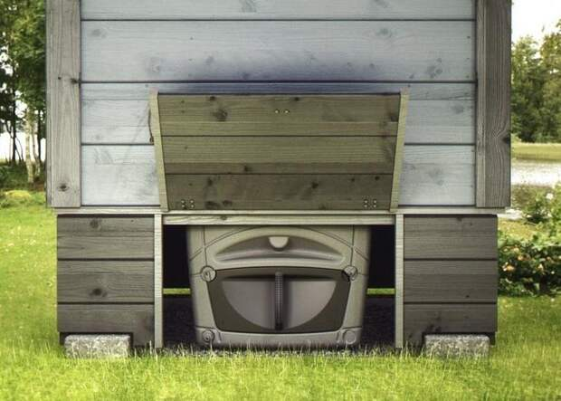 Компостная яма-биотуалет позволяет переработать продукты жизнедеятельности человека и пищевые отходы