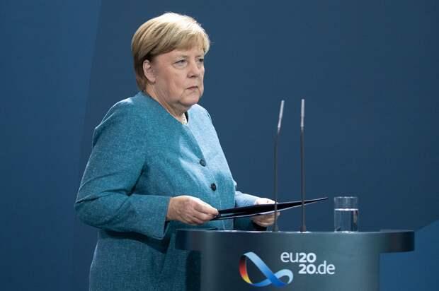 Меркель сообщает о Навальном.png