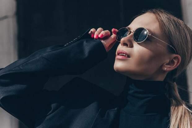 Врач рассказала, чем опасно ношение некачественных солнцезащитных очков