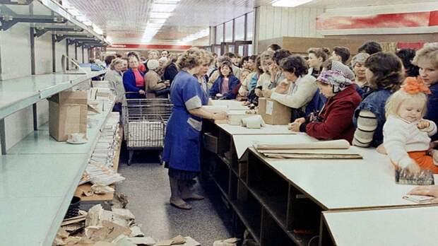 Назад в СССР: Прибалтика возвращается к советскому дефициту продуктов