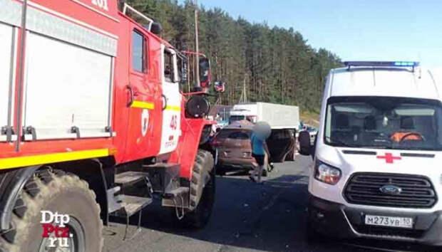 Опубликованы фотографии с места аварии с двумя погибшими