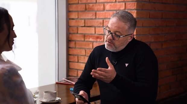 Иск в суд подали на Олега Крючкова после интервью с Бобкиной