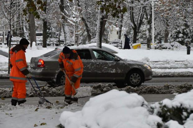 Снег в Краснодаре: от селфи и радости к «каше» на дорогах
