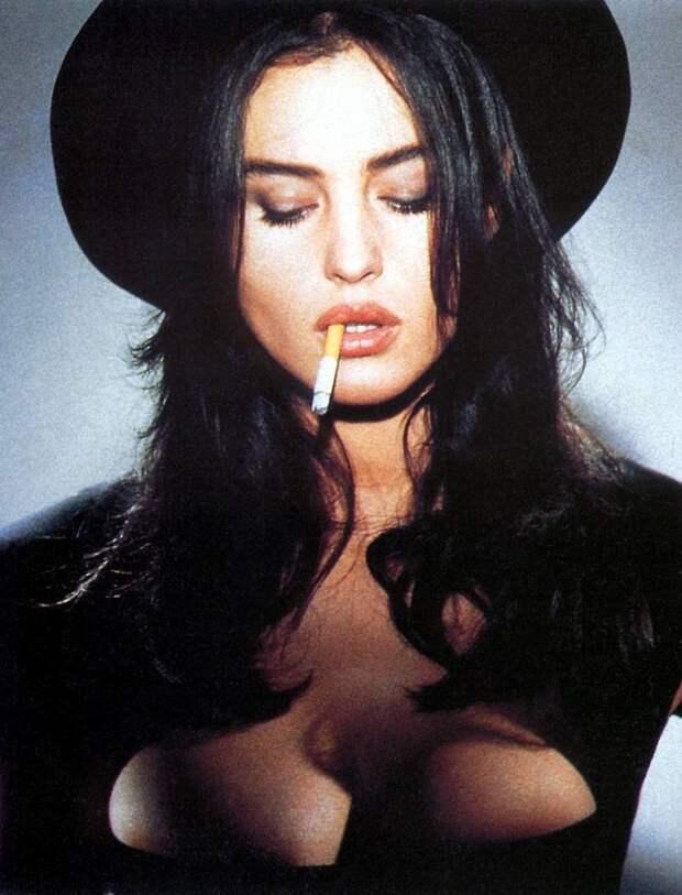 Провокационная фотосессия Моники Беллуччи 1991 года.