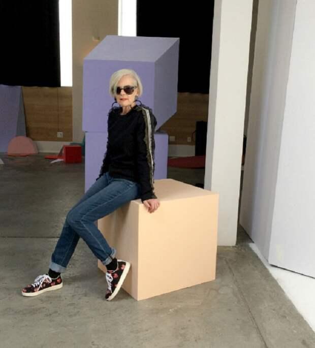 Она не носит косынки и длинные юбки, как наши бабушки... 63-летняя стиляга бомбит мир моды