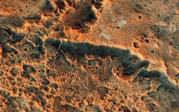 Ученые Дублина разгадали загадку паукообразных узоров на Марсе