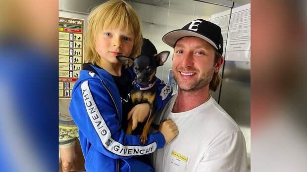«Работаем». 7-летний сын Плющенко и Рудковской показал фото с отцом на базе в Кисловодске