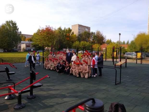 Площадка для воркаута открылась возле школы № 50 в Ижевске