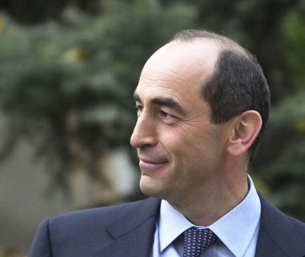 Экс-президент Армении Роберт Кочарян решил вернуться в политику