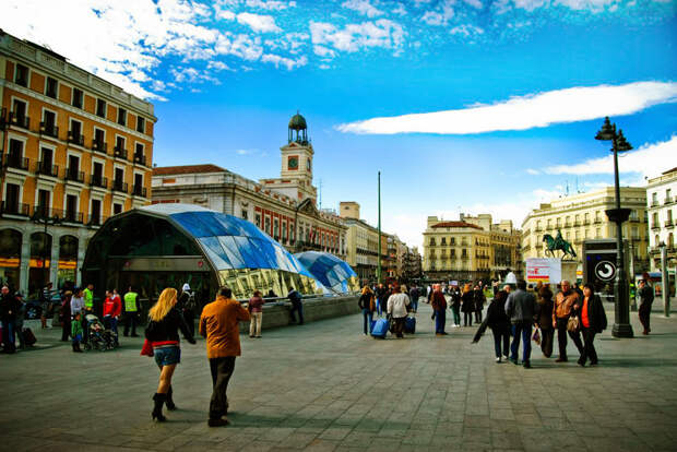 https://stogorodov.ru/images/cities/europe/madrid/puerta-del-sol.jpg