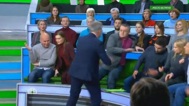 «За такое в любом хорошем обществе дают в морду»: Вассерман прокомментировал драку на НТВ