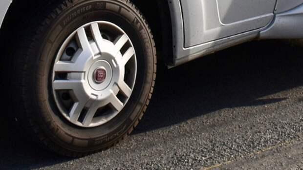 Россияне жалуются на массовое воровство колпачков с колес автомобилей