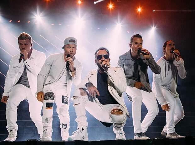 Симпатяги Backstreet Boys возвращаются и даже выпустили новый клип. Будто вернулась в 90-е...