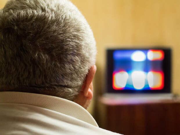 Практически все публицистические передачи на центральных каналах посвящены отечественным артистам