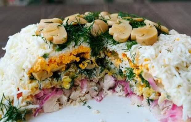 Новогодний рецепт: вкусный и красивый салат «Славяночка»