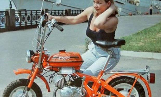 Мечта почти всех девушек и школьников СССР: история мопеда Рига-26