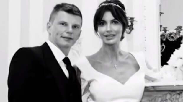 Болеющая некрозом экс-супруга Аршавина жалеет о разводе с первым мужем