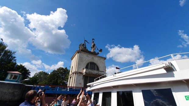 Каравеллы Христофора Колумба на канале имени Москвы