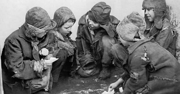 Счастливая пора? Растление, голод, рабский труд, бесправие: краткая и безрадостная история детства