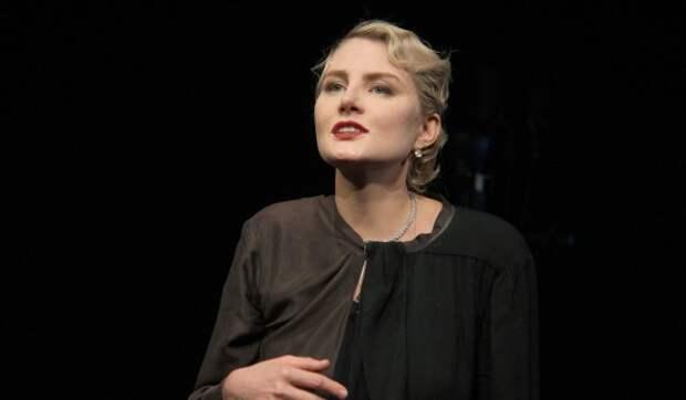 «Какое убожество»: жалующаяся на тяжелые времена Литвинова показала платье с распродажи