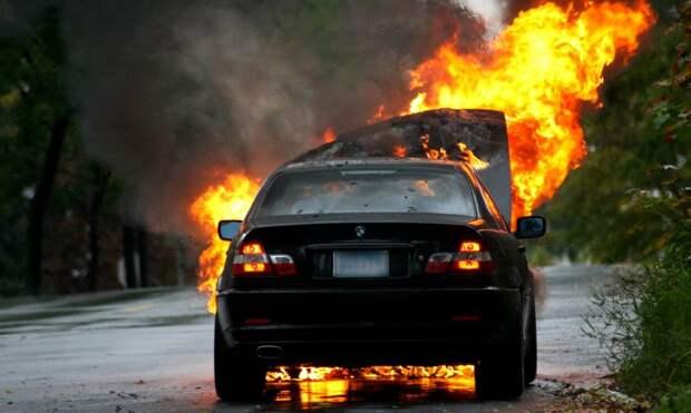 Один из поджигателей автомобиля «БМВ» в Ижевске получил условный срок