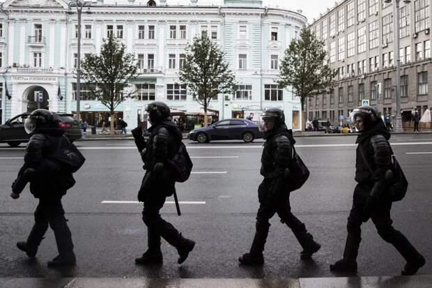 Участникам акции вподдержку Навального дали срок из-за нападения на полицию