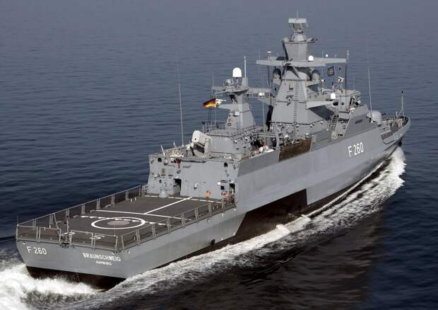 """ФРГ отправляет боевой фрегат в Тихий океан для """"сдерживания"""" Китая"""