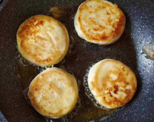 Рецепт пышных сырников из творога с фото