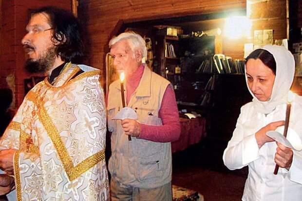 Пётр и Татьяна Вельяминовы во время венчания. / Фото: А. Федечко, www.7days.ru