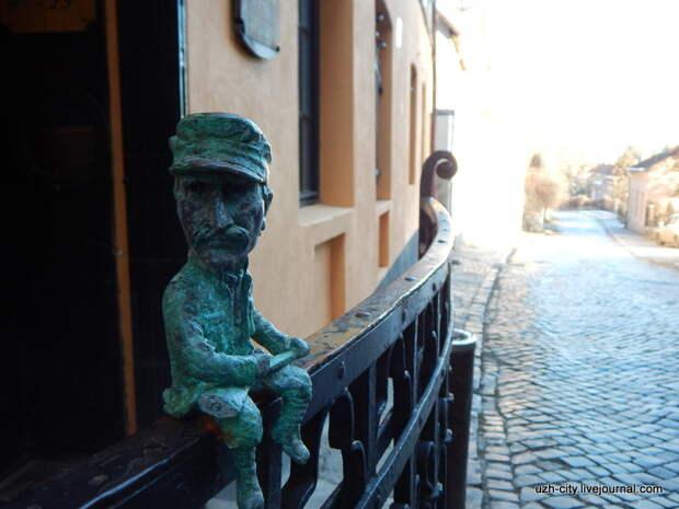 31 января 2015 года  мини-скульптура закарпатскому разбойнику Николаю Шугаю.