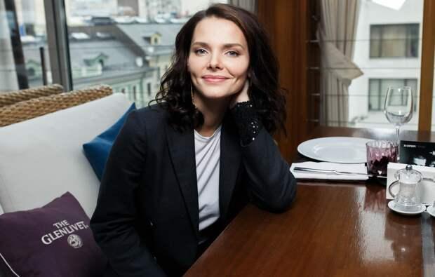 Елизавета Боярская рассказала, почему кажется очень серьезной женщиной